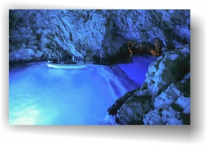 05-blue-cave-c2h372-1680x1050